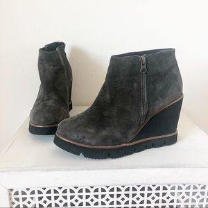 Eric Micheal Gray suede booties